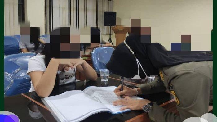 Terjaring Razia, 24 Wanita Pemandu Karaoke Dibawa ke Dinsos 4 PSK Dibina di Panti Sosial Sukabumi