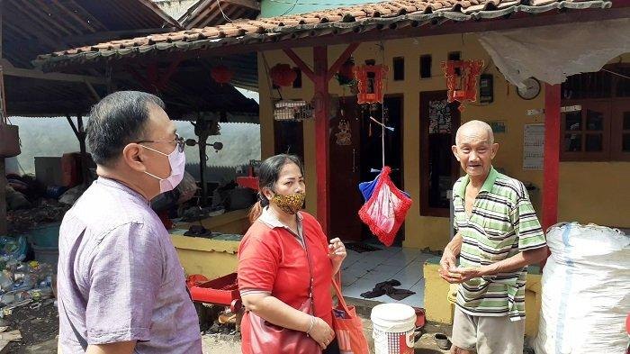 Jelang Imlek 2572 Vihara Darma Sakti Bagikan Angpao dan Sembako Bagi Masyarakat Tionghoa Bekasi