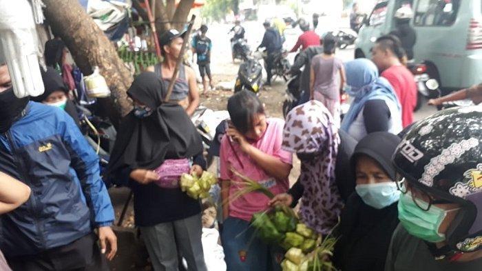 Larangan Mudik, Pedagang Kulit ketupat Kebanjiran Rezeki, Penjualan Naik 80 Persen