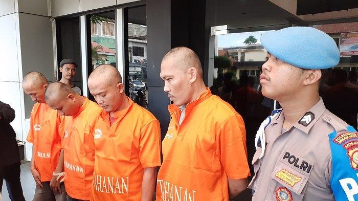 VIDEO: Komplotan Pembobol ATM Tarik Uang Tapi Saldo Tak Berkurang Diringkus di Bekasi