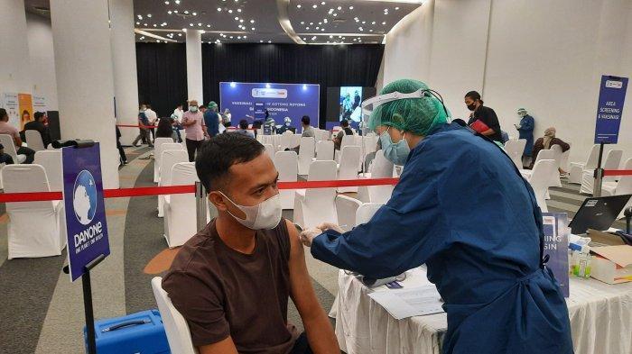 Targetkan Vaksinasi 181 Juta Warga Hingga Akhir 2021 Pemerintah Alokasikan 1 Juta Vaksin Setiap Hari