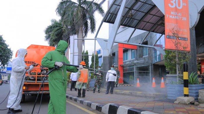 Covid-19 Meluas, Pemkot Tangerang Lakukan Penyemprotan Massal di Ruang Publik