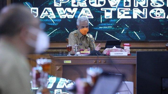 Ganjar Pranowo Minta Pemerintah Kabupaten dan Kota di Jawa Tengah Percepat Vaksinasi Berbasis Desa