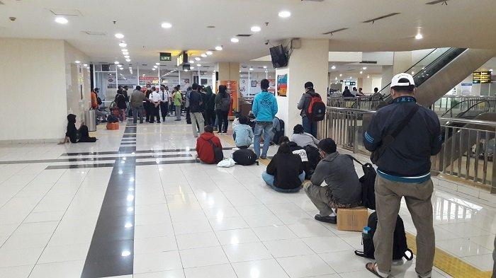 Jelang Bulan Suci Ramadan, Terminal Terpadu Pulo Gebang Dipadati Pemudik di Tengah Pandemi Covid-19