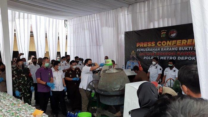 Agar Tidak Disalahgunakan, Polres Metro Depok Musnahkan 258 Kilogram Sabu Pakai Mesin Pengaduk Semen