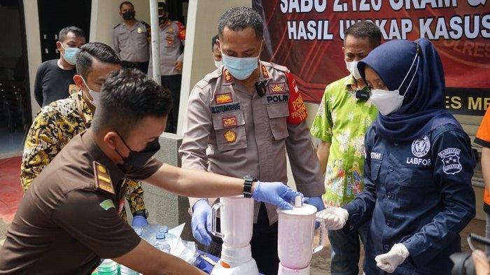 2 Kilogram Sabu dan 3.750 Butir Pil Ekstasi Dimusnahkan Pakai Cara Diblender