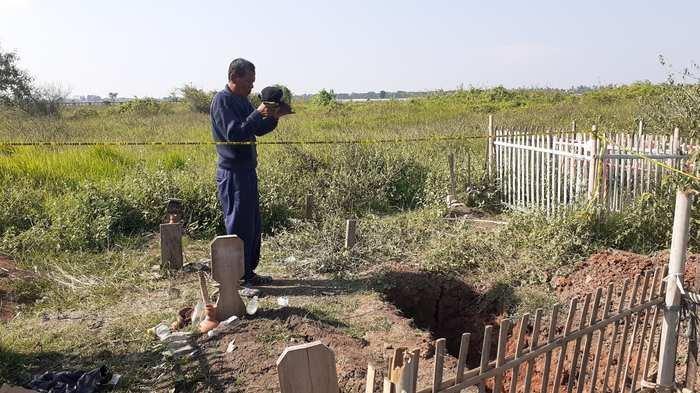Kronologi Warga Dibikin Heboh 2 Makam di TPU Desa Karang Bahagia Dibongkar, Satu Jenazah Hilang