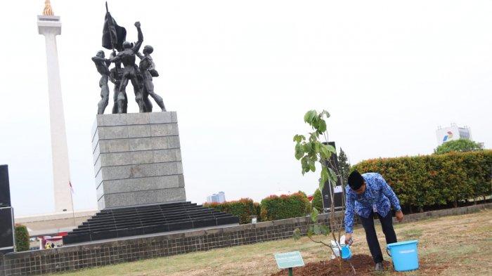 Peringatan Rapat Raksasa Ikada di Monas, Anies Baswedan Ajak Tanam Pohon Langka