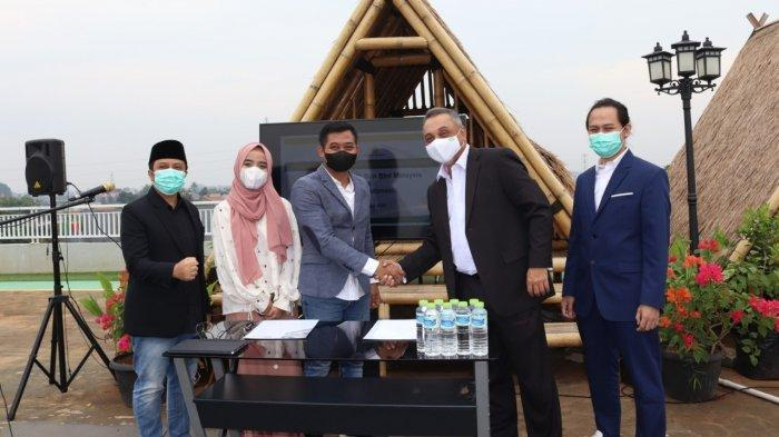 Kembangkan Perusahaan, Ustaz Yusuf Mansur Teken Kontrak Pembelian Mesin Senilai Rp 100 Miliar