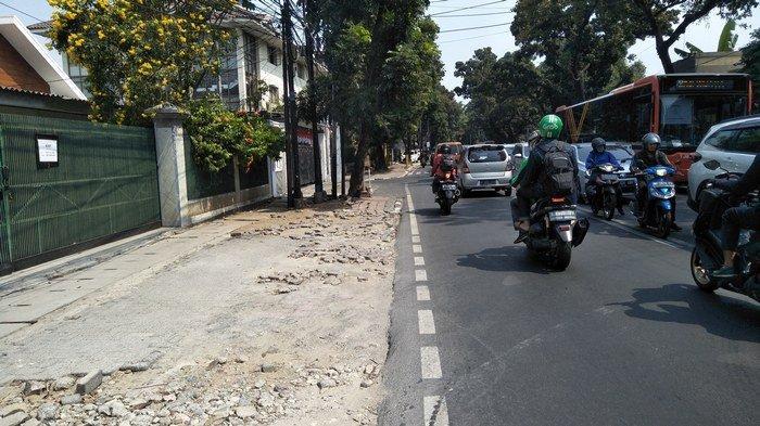 Penataan Trotoar Jalan Wijaya Dinilai Warga Tidak Sempurna