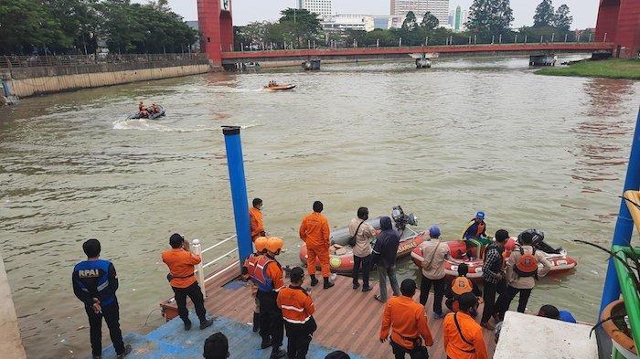 Petugas Gabungan Masih Cari Jasad Pria Lompat dari Jembatan Merah Cisadane