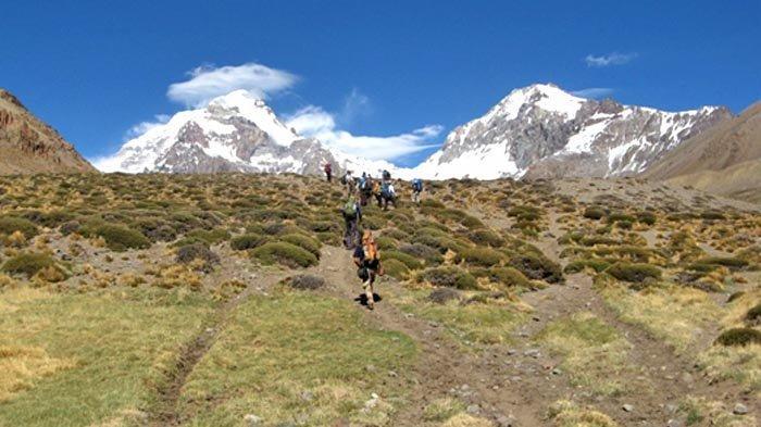 Sepuluh Tahun Pendakian Gunung Aconcagua (2): Aconcagua Mulai Muncul dan Menunjukkan Watak Aslinya