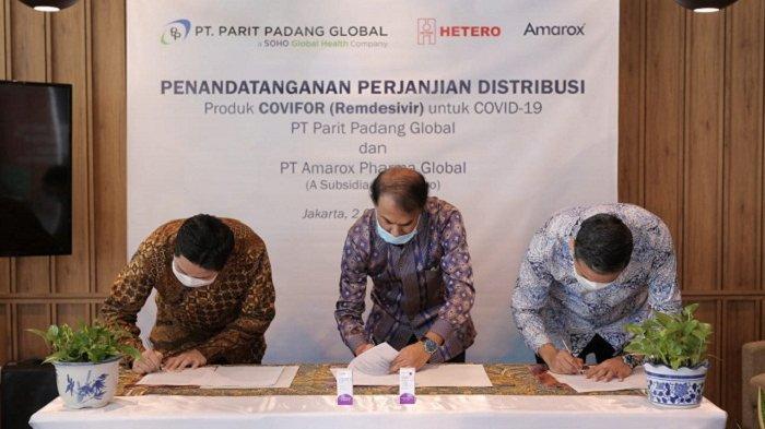 Penandatanganan perjanjian kerja sama pendistribusian obat Covid-19 Covifor Remdesivir di Indonesia antara PT Amarox Pharma Global (Hetero Group) dengan PT Parit Padang Global (PPG) di Jakarta, Jumat (2/10/2020).