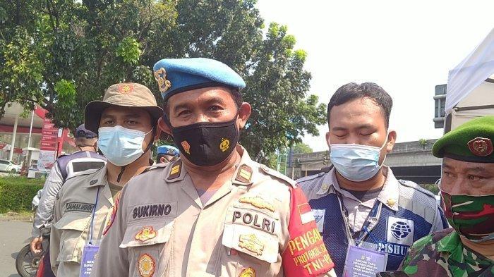 Peserta Vaksin Covid-19 Diizinkan Melintas Pos Penyekatan PPKM Darurat di Bintaro Sektor 3