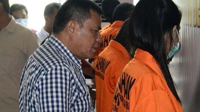 Jual Sabu dalam Bungkus Permen, Dua Pemandu Lagu Karoke di Bekasi Diringkus Polisi