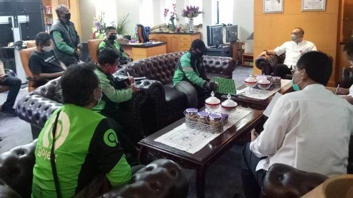 Pengemudi Ojol Curhat ke Bupati Tangerang 3 Bulan Tak Dapat Uang karena Tidak Bisa Angkut Penumpang