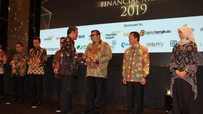 Best Retail Banking Service Diraih Bank DKI Karena Kepercayaan Nasabah