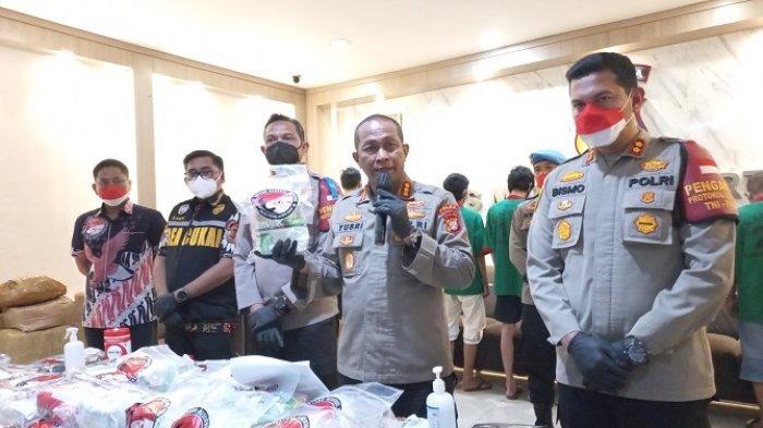 Polres Metro Jakarta Barat Bongkar Jaringan Narkoba Sumatera-Jawa dengan Modus Jasa Ekspedisi