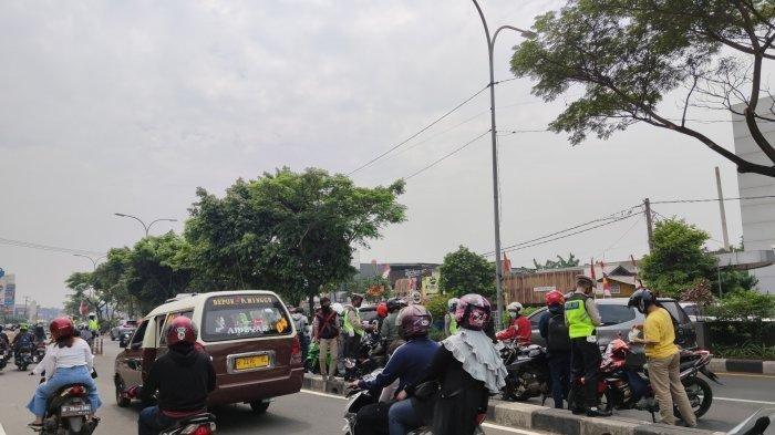 Pengendara Sepeda Motor Diingatkan Jangan Coba-coba Masuk Jalur Cepat Jalan Margonda Depok