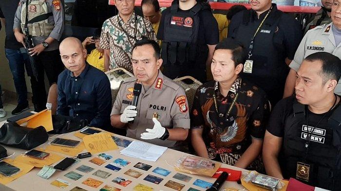Melawan, Dua Pelaku Penipuan Skimming Kartu ATM di Cilincing Jakarta Utara Ditembak Polisi