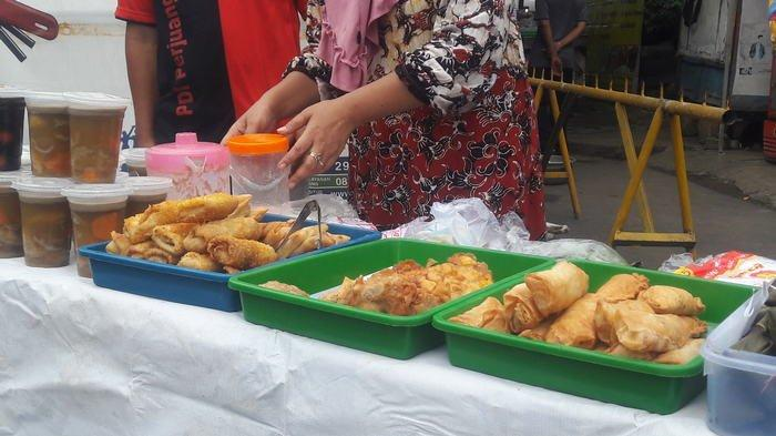 Tanpa Ada Sentra Takjil, Penjual Takjil di Benhil Tak Seramai Tahun Lalu