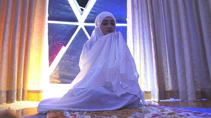 Sambut Ramadan, Penyanyi Liebe Rilis Single Religi Berjudul Sujudku