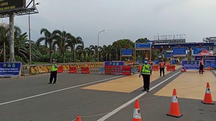 VIDEO : Penyekatan di Gerbang Tol Bekasi Barat I, Polisi Tanyai Keperluan Pengendara
