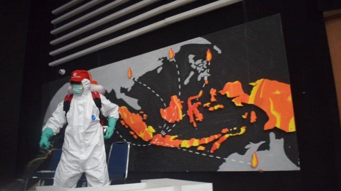 PMI Kota Tangerang Gelar Penyemprotan Disinfektan Antisipasi Covid-19