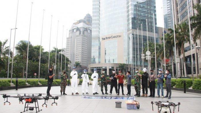Sterilisasi Wilayah dari Virus Corona, Pemkot Jakarta Selatan Semprot Disinfektan Pakai Drone