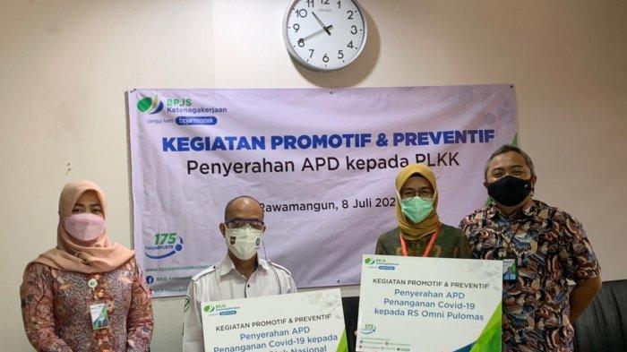BPJAMSOSTEK Rawamangun Berikan Sumbangan Ratusan APD untuk Tenaga Kesehatan di Rumah Sakit