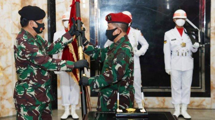 Panglima TNI Terima Penyerahan Jabatan Dankoopssus TNI
