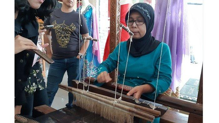Media Outing Kalbe, Menengok Destinasi Wisata Menarik di Padang, Mulai Lembah Anai hingga Jam Gadang