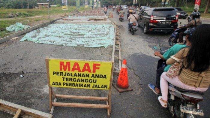 Jalan Boulevard GDC Mulai Dicor Permanen, Pengendara: Kenapa Tidak Dari Dulu?