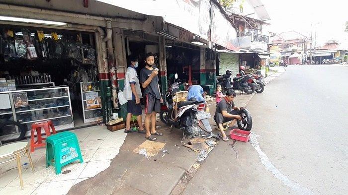 Warga Korban Banjir di Kota Tangsel Butuh Dana Ratusan Ribu Rupiah untuk Memperbaiki Sepeda Motor