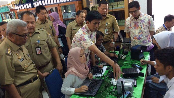 Jelang Pemilu 2019, 37 Siswa SMAN 75 Rekam Data KTP Elektronik