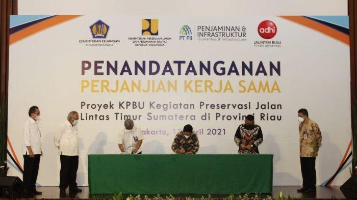 PT PII Berikan Penjaminan pada Proyek Preservasi Jalan Lintas Timur Riau