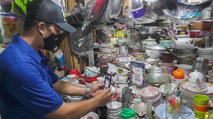 PermataBank Lakukan Sosialisasi Penerapan QRIS di Pasar Tomang Barat Tanjung Duren