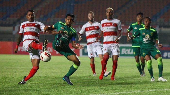 Link Live Streaming Persib vs Persebaya: Coach Aji Santoso Telah Siapkan Eksekutor untuk Adu Penalti