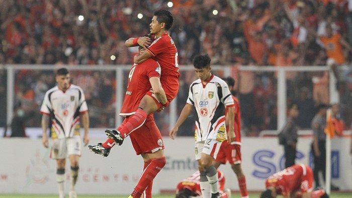 Persija Juara Liga 1 2018, Trofi Juara Dipersembahkan ke The Jakmania