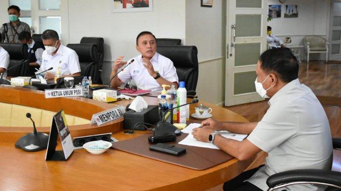 Ketum PSSI Mochamad Iriawan bertemu dengan Menpora Zainudin Amali di Kantor Kemenpora membahas tentang sepak bola ke depan