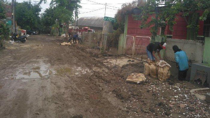 Empat Perumahan di Jatiasih Masih Butuh Pemulihan Pascabanjir Sepekan ke Depan