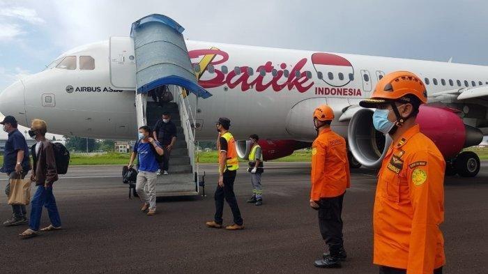 Terbang 20 Menit, Pesawat Batik Air Mendarat Darurat di Jambi, Roda Rusak Parah, Ini Penampakannya