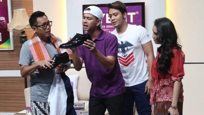 Eko Patrio dan Raffi Ahmad bersama Kriss Hatta dan Ayu Ting Ting di Pesbukers Rasa Baru.