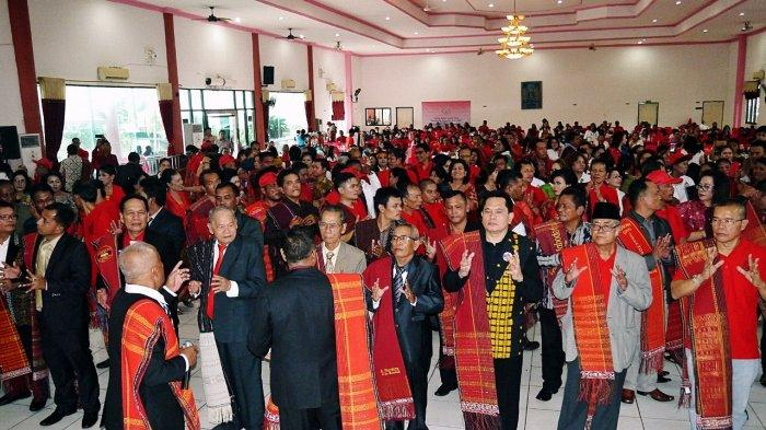 Pesta Bona Taon Keluarga Besar Ompu Jorang Raja Berlangsung Meriah