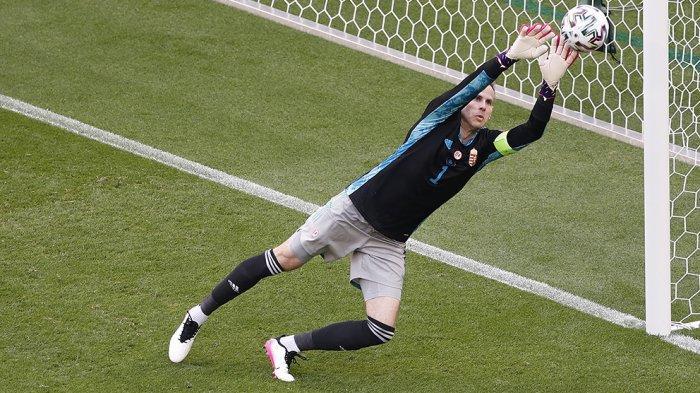 Kiper Hungaria Peter Gulacsi tampil gemilang dengan banyak menyelamatkan peluang gol yang didapatkan timnas Prancis didepan gawangnya