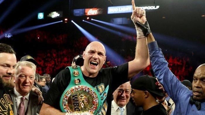 Gara-gara Terpapar Virus Corona, Duel Tyson Fury Versus Deontay Wilder Ditunda Hingga Akhir Tahun
