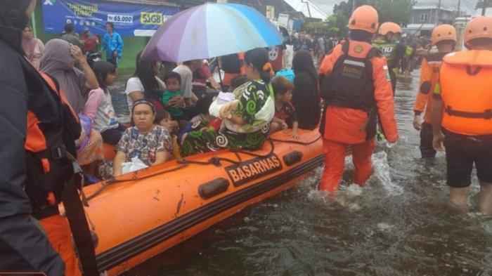 UPDATE Banjir Kalsel, 5 Orang Meninggal, Ratusan Ribu Warga Mengungsi, Jalur Trans-Kalimantan Putus