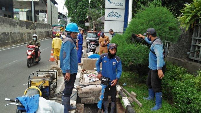 Bertahun-tahun Kebanjiran, Saluran Air Berlapis Jadi Penyebab Genangan di Jalan TB Simatupang