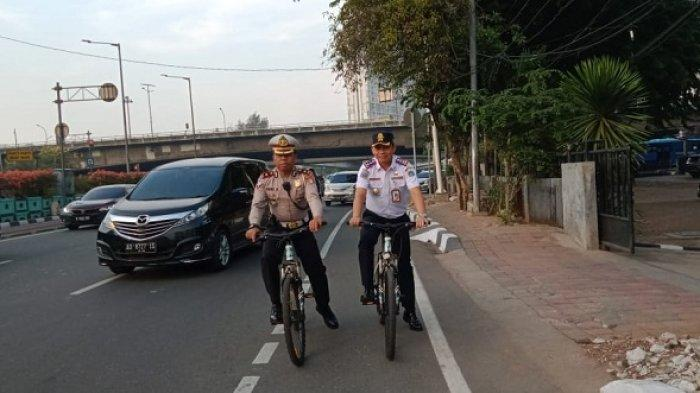 Jalur Sepeda Dijaga 15 Jam Setiap Hari, 16 Petugas dari Polisi dan Dishub Patroli Pakai Sistem Sif
