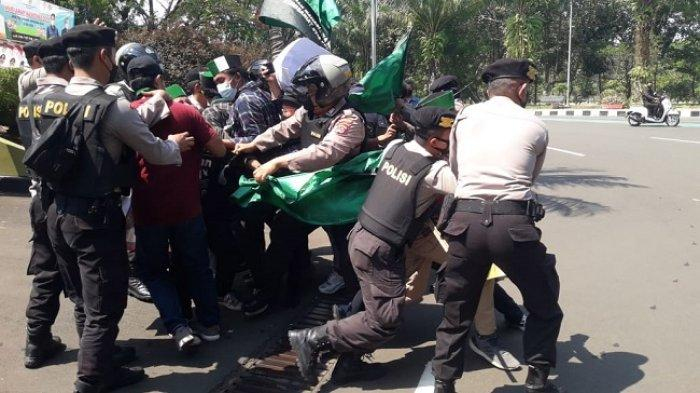 Unjuk Rasa HMI di Tangerang Diwarnai Ketegangan, Puluhan Mahasiswa Digelandang ke Kantor Polisi